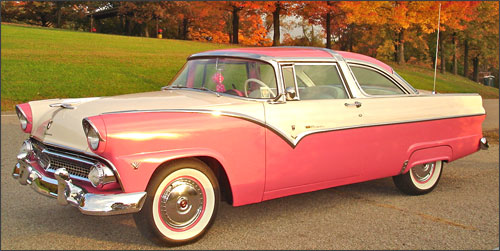El Ford Fairlane Crown Victoria modelo 1955 de Bob